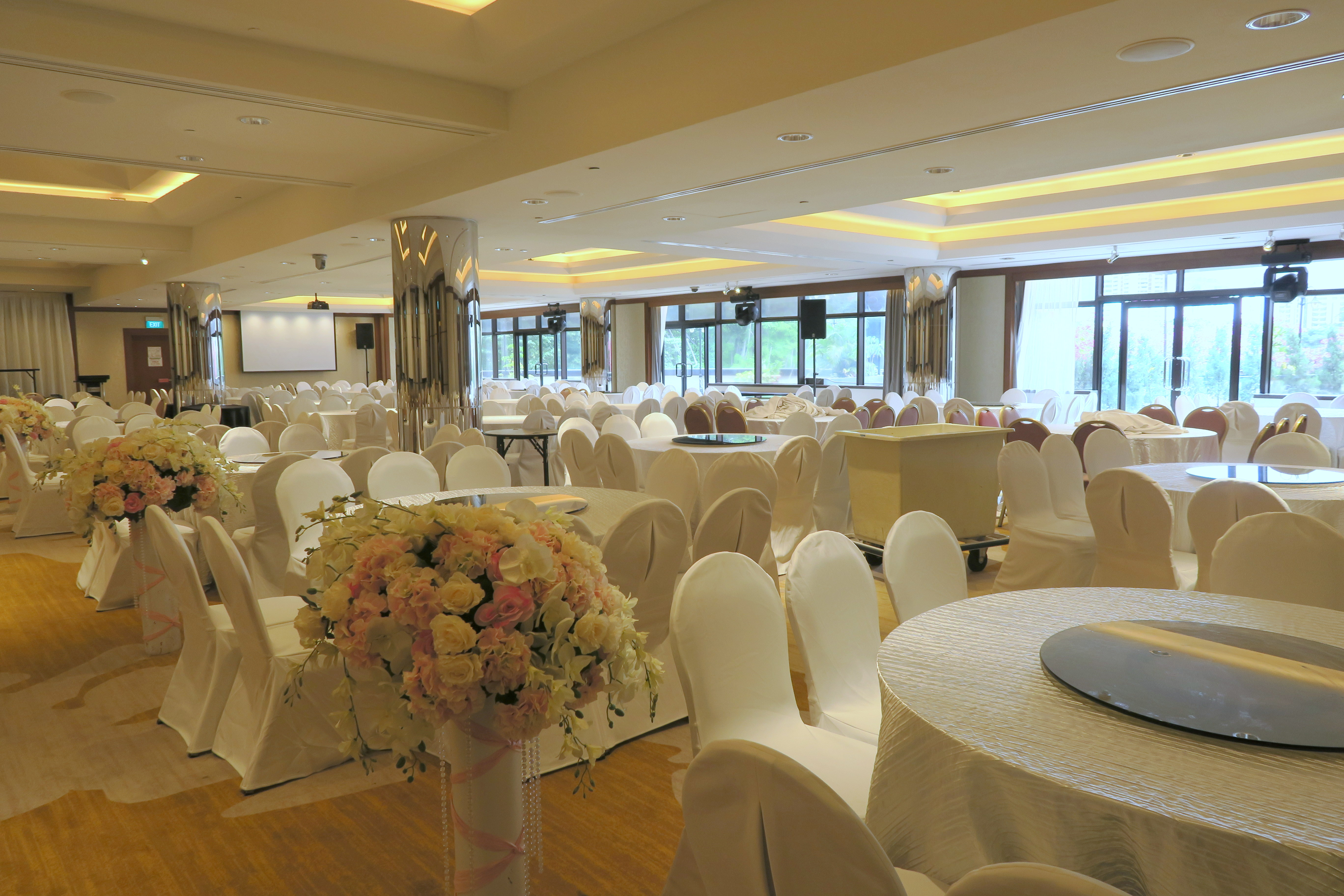 Holiday inn outram wedding hairstyles